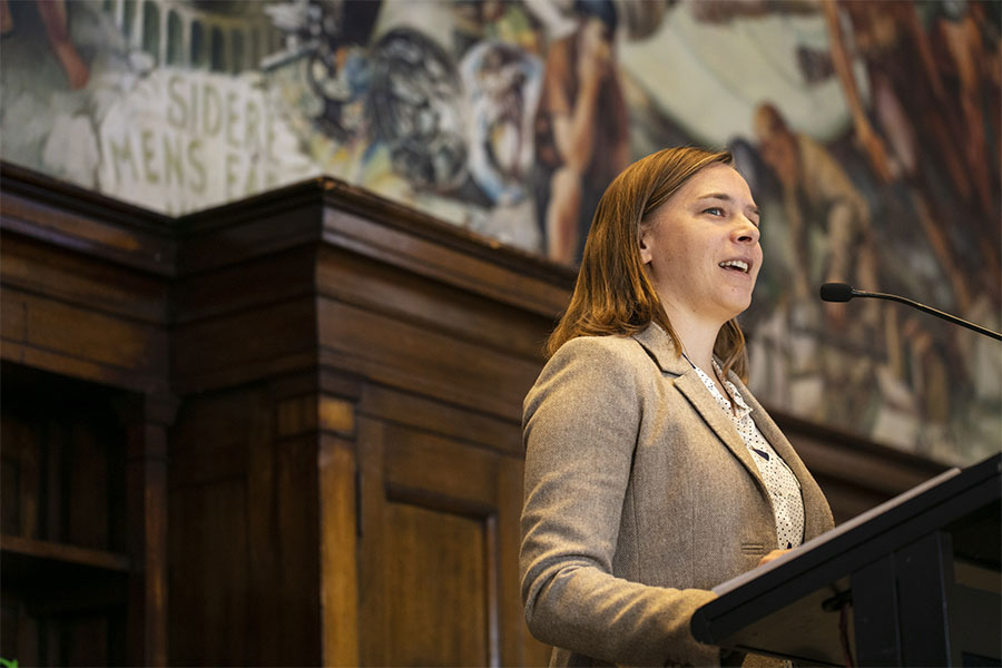 Lisa Harvey-Smith speaking
